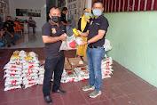 Terdampak PPKM Darurat, Ketua Pewarta Berikan Sembako kepada Jurnalis