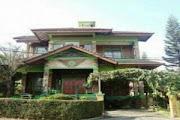 villa untuk 30 orang lembang bandung
