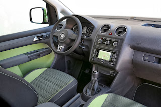 2013-Volkswagen-Cross-Caddy-7