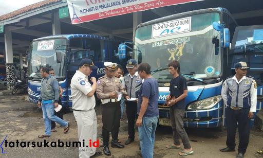 Akhir Tahun 2018 Sat Lantas Polres Sukabumi Gelar Ramcheck Kendaraan AKAP AKDP di Sukabumi