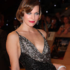 milla-jovovich-short-bangs-bob-highlights-sophisticated.jpg