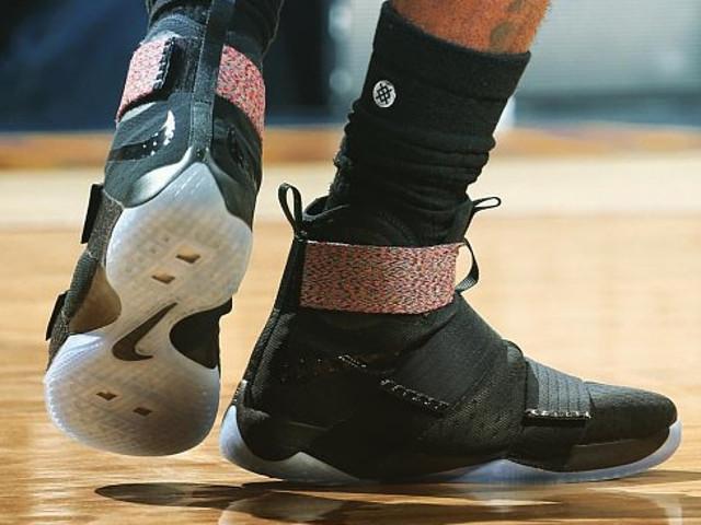 ... Closer Look at James Nike LeBron 13 Elite PE Game Four PE ...