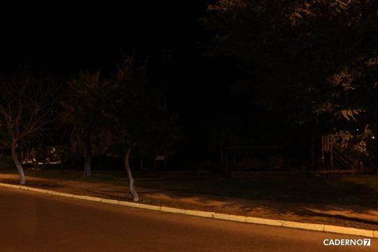 praça ecológica no escuro 002