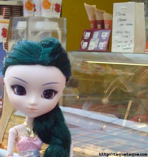 Saras en la heladería en la que Michelle y Sasha Obama tomaron sus helados