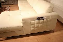 divano in offerta outlet modello Annabella in pelle, particolare penisola e tasca portariviste .JPG