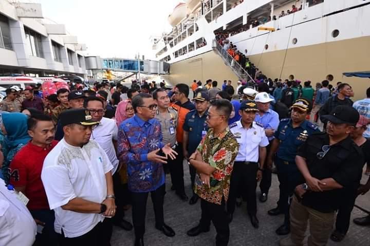 Peduli Kemanusiaan Gubernur Sulsel Jemput Ratusan Pengungsi Wamena di Pelabuhan Soekarno Hatta
