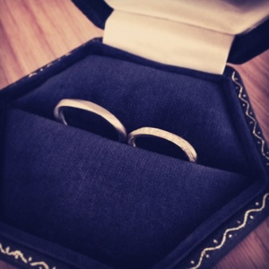 結婚指輪 hum マリッジリング シンプル