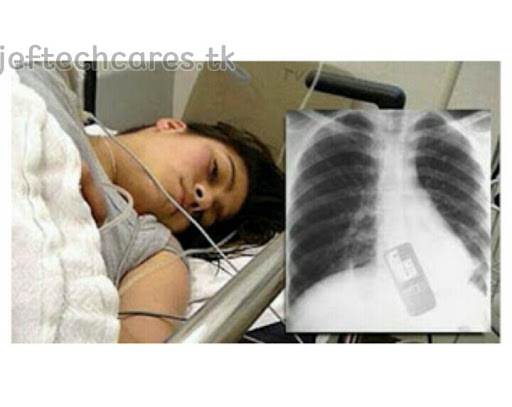 Meet a girl that swallowed her phone(photos)