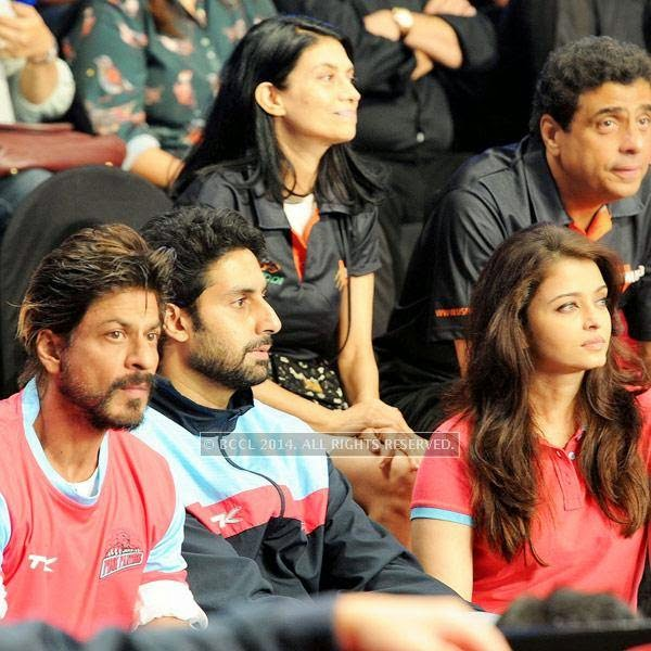Shah Rukh Khan, Abhishek Bachchan and Aishwarya Rai Bachchan during the opening match of Pro-Kabbadi League, held in Mumbai, on July 26, 2014. (Pic: Viral Bhayani) <br /> <br />
