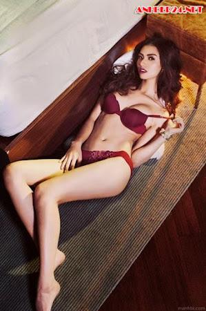 Hot girl Hồng Quế khoe nội y nóng bỏng
