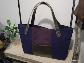 紺と紫とブロンズの絶妙なマッチ