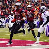 Jabin Sambrano scores a touchdown.