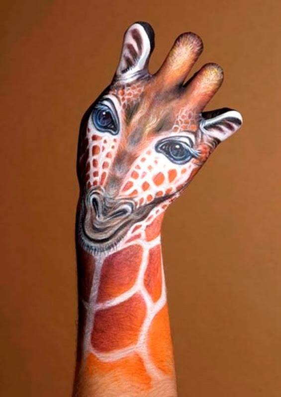 girafa_mo_da_tatuagem