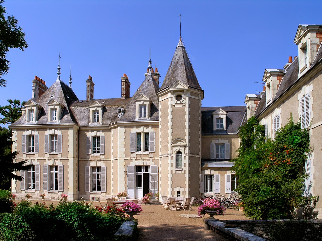 (145)chateau-du-breuil-cheverny©CHATEAUDUBREUIL