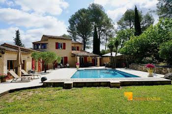 villa à Peymeinade (06)