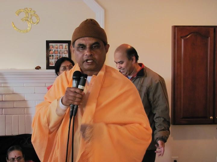Swami Ishtananda delivers a talk