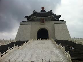 The National Chiang Kai-shek Memorial Hall   國立中正紀念堂