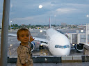 Matimu really loves airplanes now! He loves to see them everywhere and even just to stand and stare at them. That's our plane for the transatlantic flight to the US!