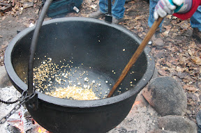 Making kettle corn