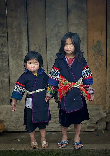 trang+phuc+ng+mong004 Dấu ấn người Mông qua trang phục truyền thống