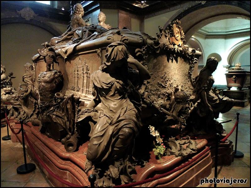 Sarcofago de María Teresa