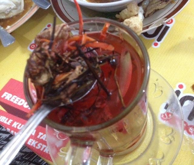 maniak-makan-wedang-uwuh-bu-ugi-tawangmangu-solo