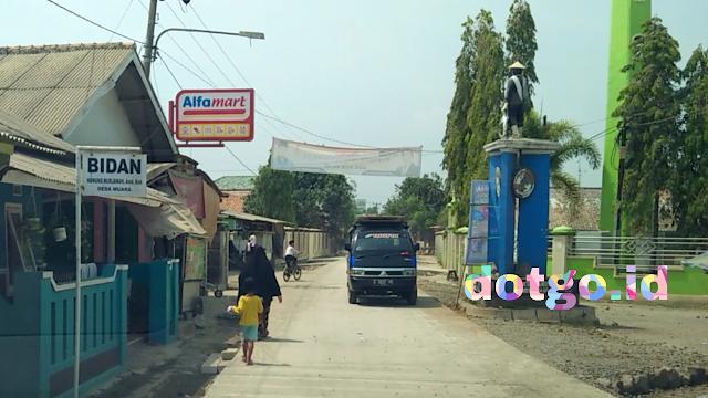 Jalan desa muara blanakan diperbaiki dengan pengecoran rigid