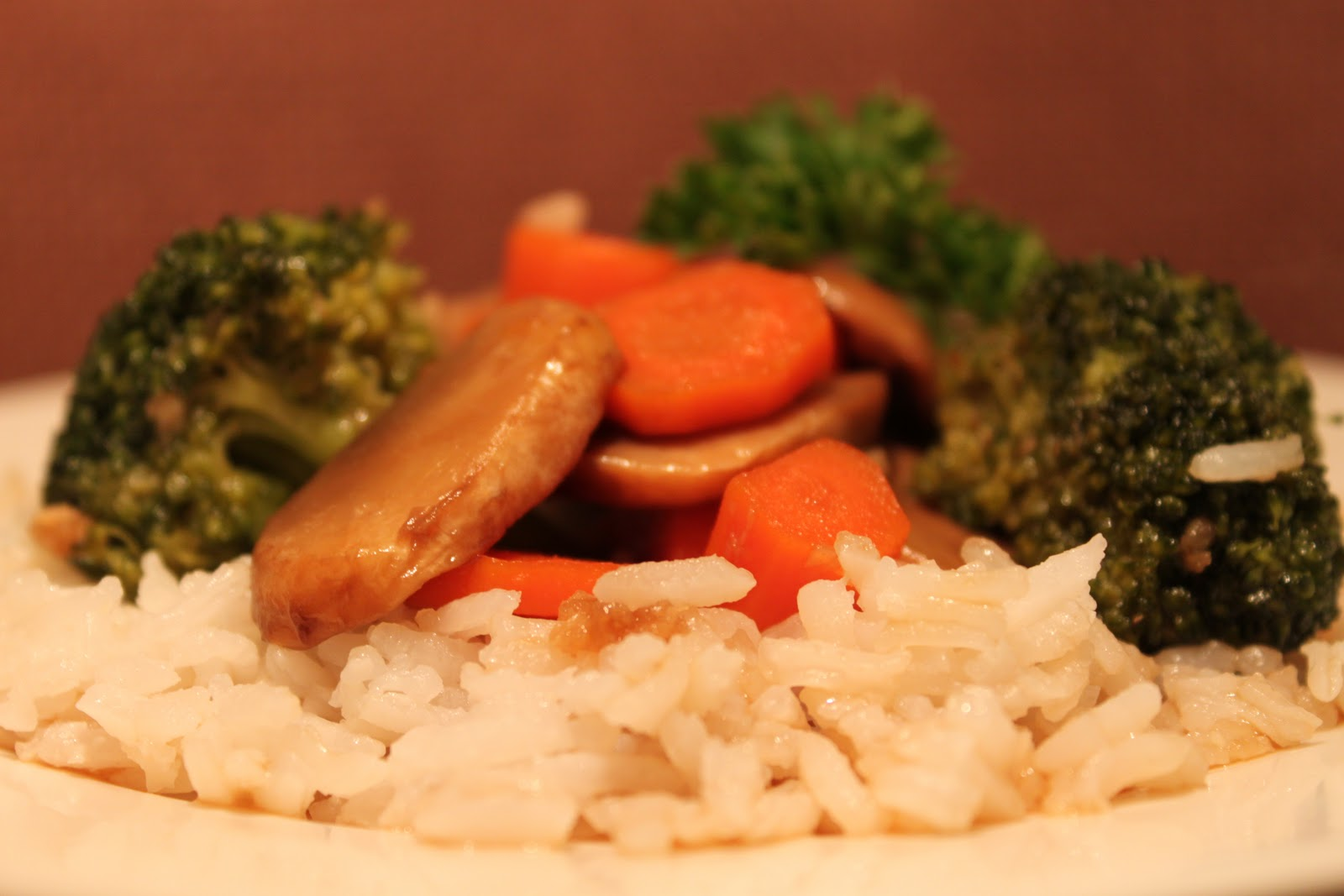 Sauteed Mushrooms, Carrots, and Broccoli in Garlic Sauce | Meatless ...