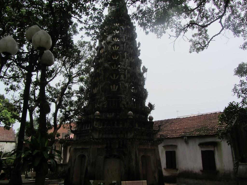 0001Ngo_Quyen_Temple