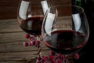 Tanino presente no vinho, pode inibir infecção por Covid-19