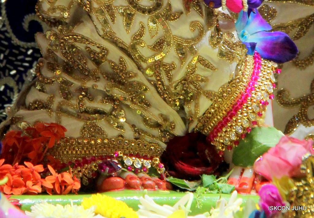 ISKCON Juhu Sringar Deity Darshan on 25th August 2016 (56)