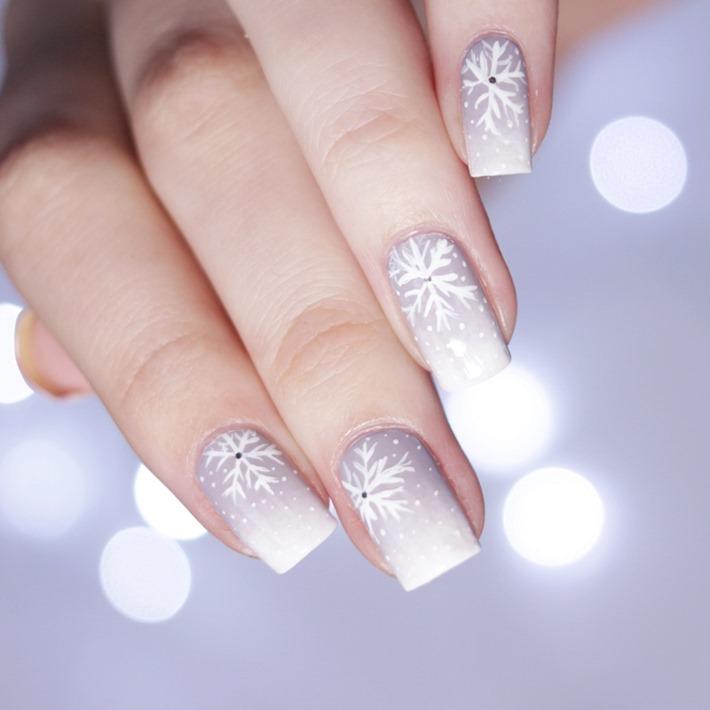 Weihnachtliches-Nail-Design-Essence-einfach-2