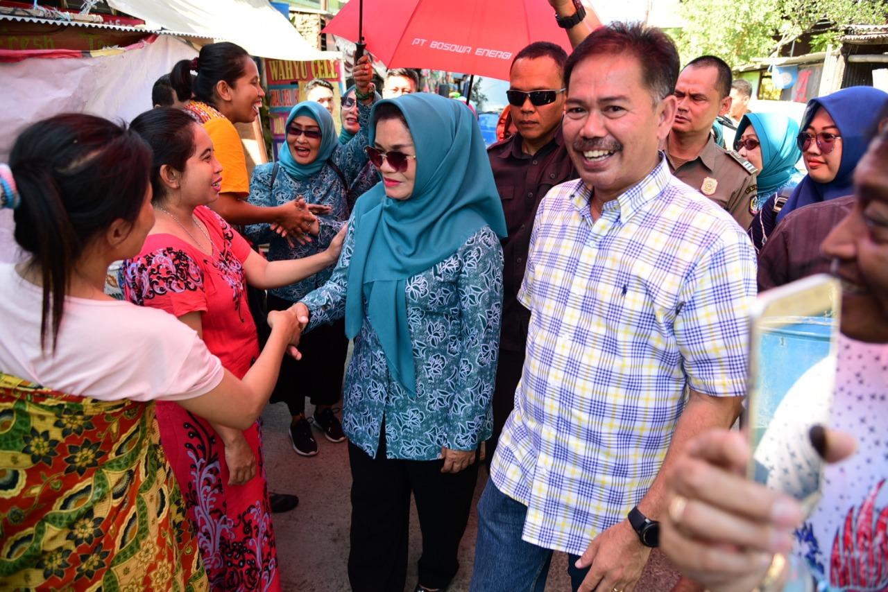 Kemarau Panjang, Lies F. Nurdin Kunjungi Langsung Masyarakat dan Beri Pasokan Air