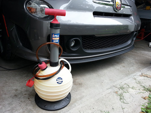 Fiat 500 Abarth and Pela oil extractor