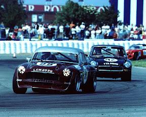 V8atsilverstone-1992.jpg