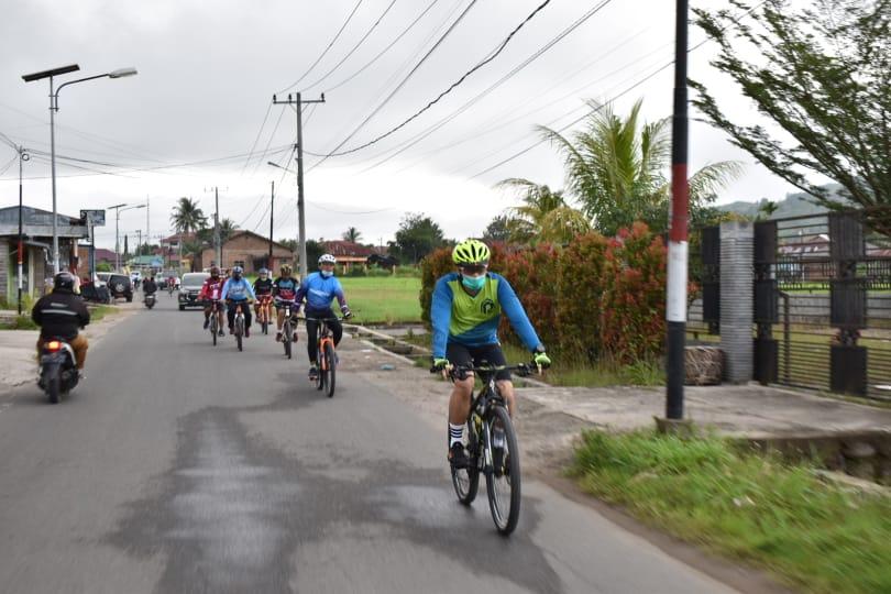 Kapolres Tapsel Pantau Situasi Kamtibmas dengan Bersepeda Sambil Jaga Kebugaran Tubuh