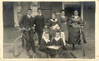 Monden-Coremans Kinderen ca. 1916.jpg