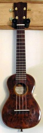 Corrales Southcoast Supersoprano long neck Ukulele