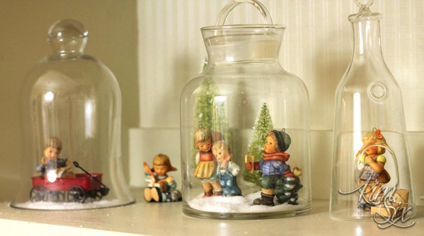 Hummels in jars christmas vignette