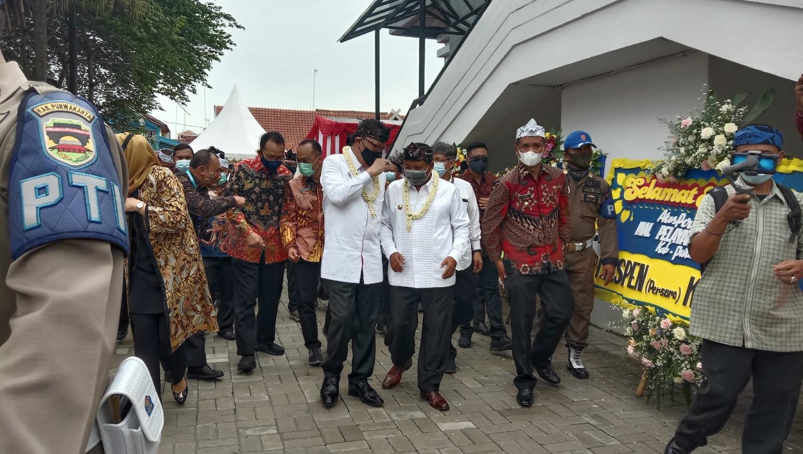 Wakil Gubernur Jawa Barat Menghadiri Peresmian Gedung MPP di Purwakarta
