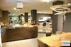 cucina Artematica Valcucine e tavolo in rovere nello showroom Carminati e Sonzogni a Zogno Bergamo