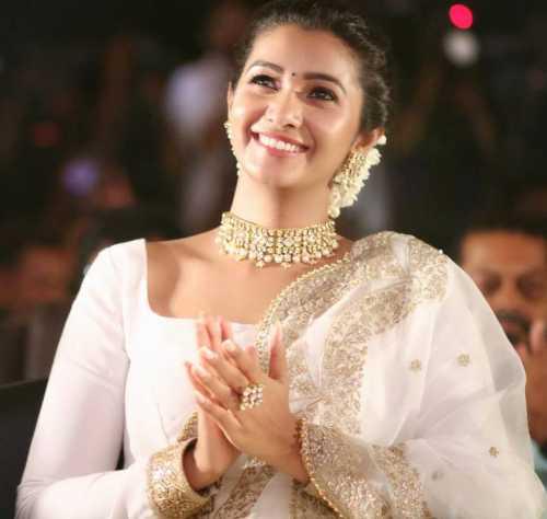 Kollywood Actress Priya Bhavani Shankar Latest Hd Photos: Tamil Actress Priya Bhavani Shankar 30 Best Beautiful HD