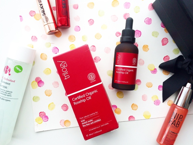 trilogy certified organic rosehip oil for blemishes, hydration and scars