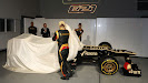 Kimi Raikkonen and Romain Grosjean unveil the Lotus E21