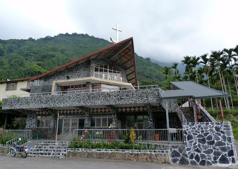 Puli  en passant , entre autres, par les villages de l ethnie Bunum de Loloko et Dili. J 10 - P1170158.JPG