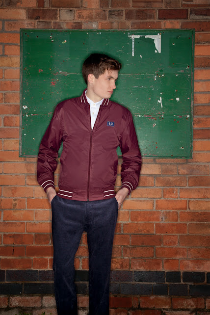 Fred Perry Authentic Men: Bold play on tipping