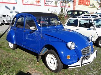 2018.10.21-050 Citroën 2 CV bleue