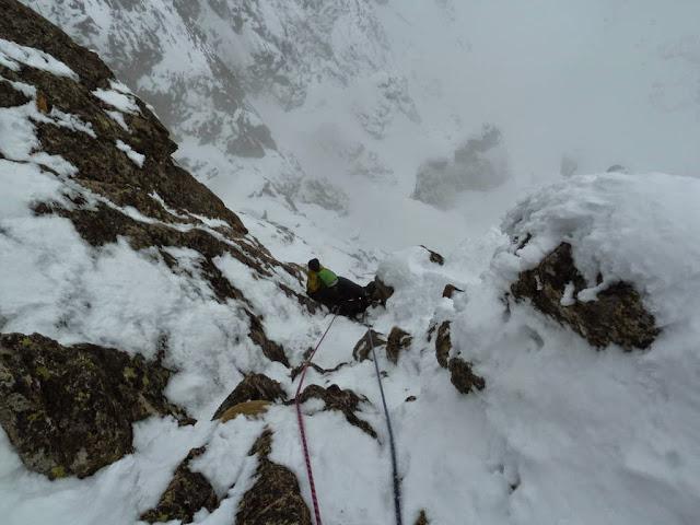 Alpinisme Mercantour : goulotte Berhault-stakano en face nord du Ponset