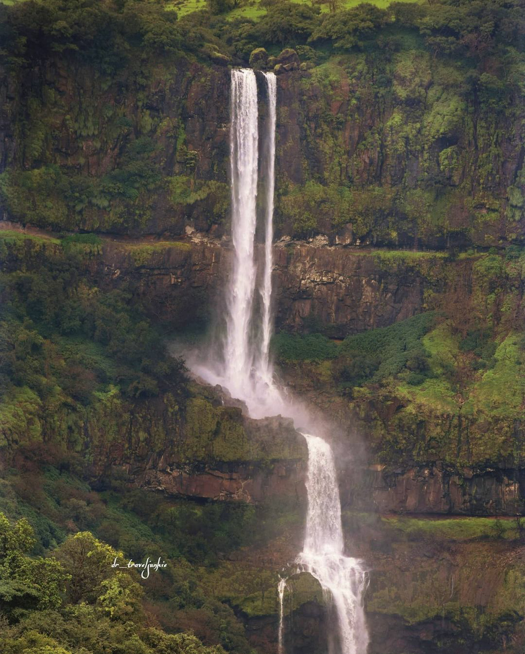 vajrai satara waterfall