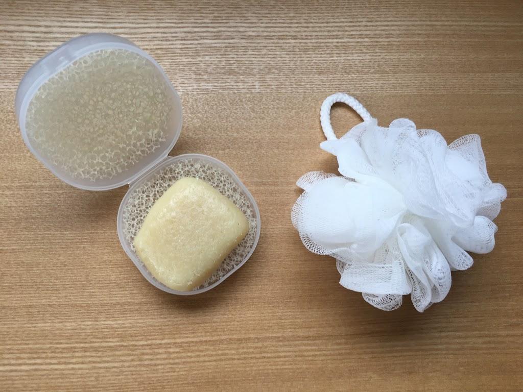 家でも旅でも、洗顔も体も、私はこちらの手作りマニマック石鹸を使っています▽